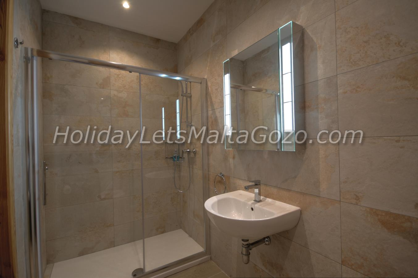 Large shower cubicle en-suite to double bedroom