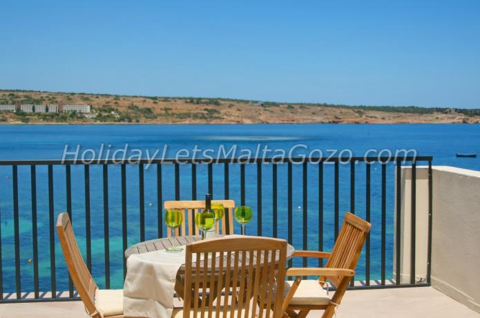Holiday Let Malta Mellieha Sea Front Penthouse seafront penthouse - tunnara