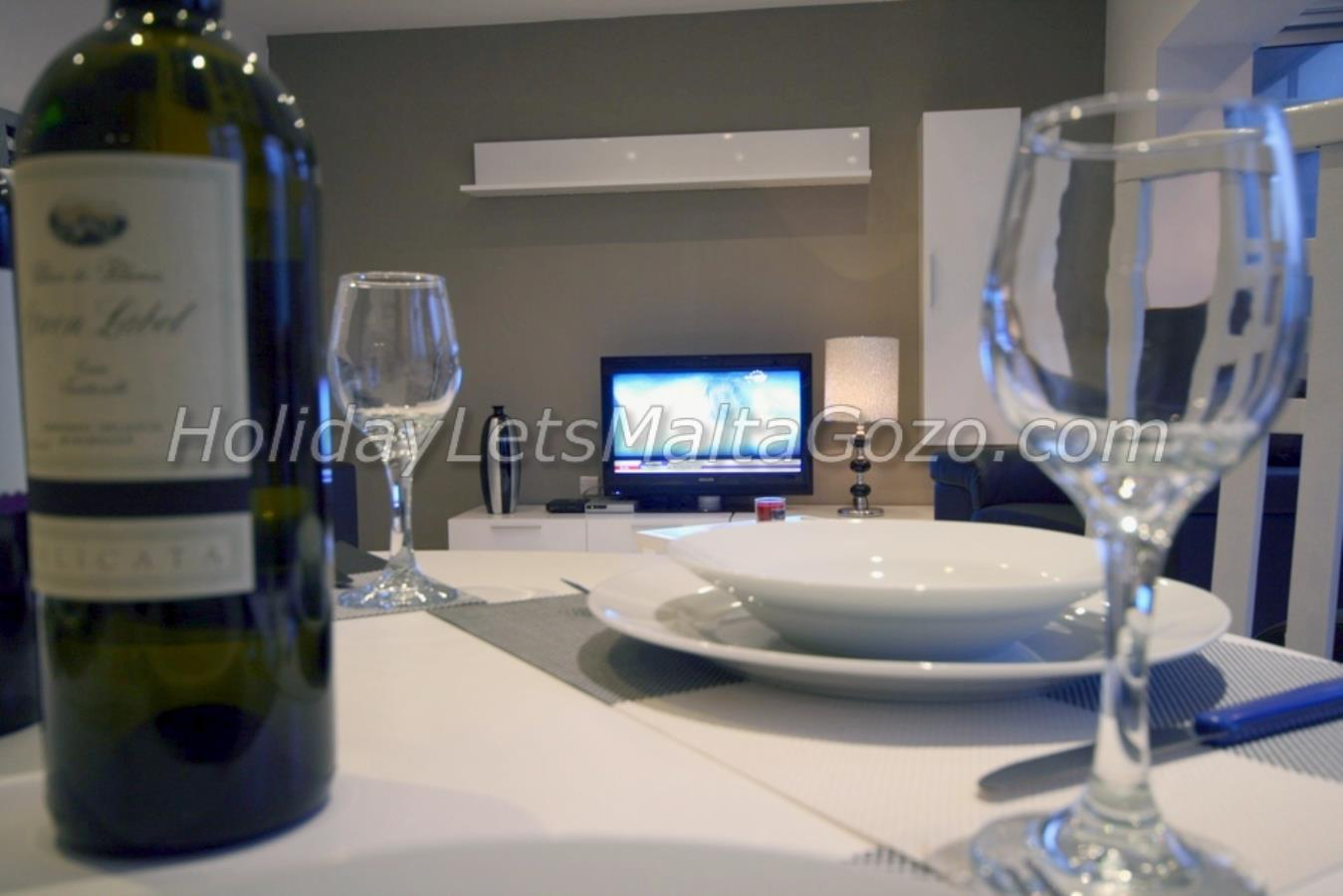 Dining tabla view to TV